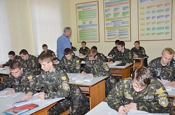 Запрошуємо на навчання до вищих військових навчальних закладів та на кафедру військової підготовки